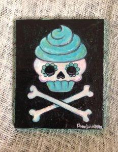 teal-cupcake-skull